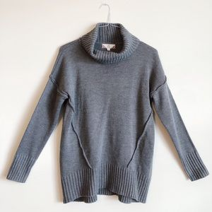 Sleek Grey Turtleneck - NEW